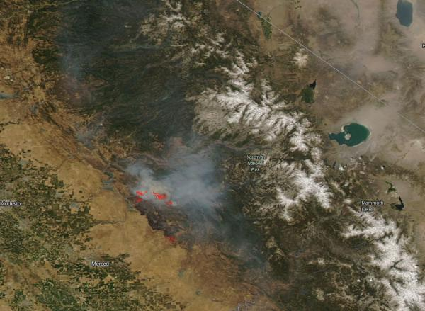 Caption Forest Fires Near California S Yosemite National Park Captured By Nasa S Aqua Satellite In July 2017 Actively Burning Areas Are Shown In Red