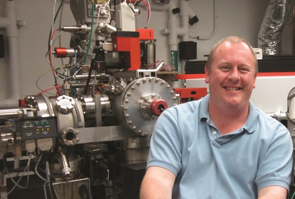 Erik Hauri in the lab at Carnegie's Department of Terrestrial Magnetism